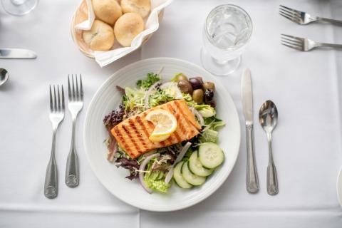 Fine dining restaurant healthy food salad fish fillet senior living community restaurant chef made meals minnesota